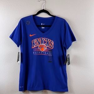 NIKE WOMEN'S NEW YORK KNICKS TSHIRT SIZE L